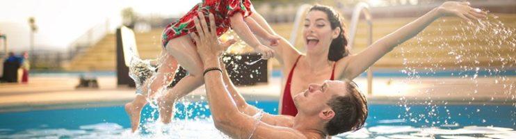5 dicas para não passar sufoco na hora de adaptar seu bebê com a piscina