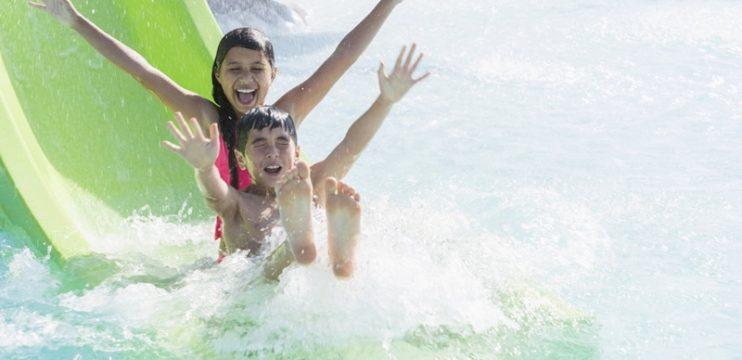 5 motivos para você trocar a praia pelo parque aquático