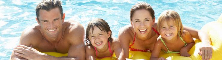 Até qual idade as crianças devem usar boias para piscina?